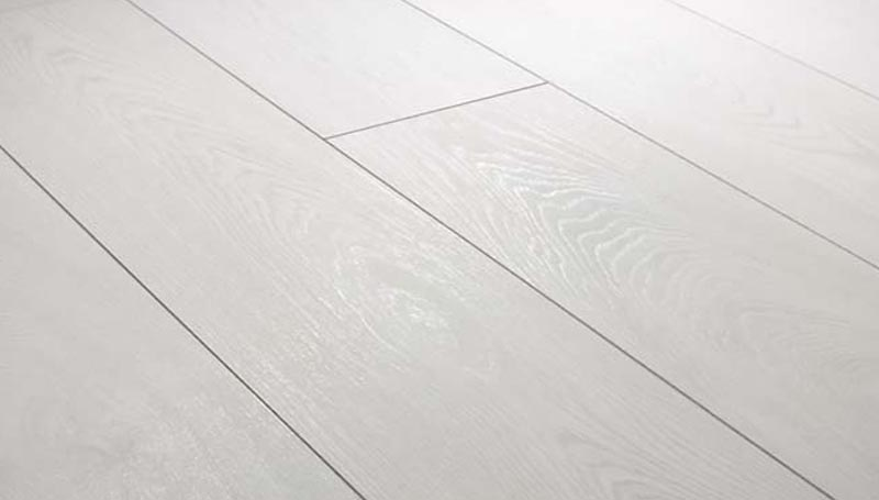 Karras - Krono Swiss - Πάτωμα Laminate Solid Chrome λευκή απόχρωση Davos Oak
